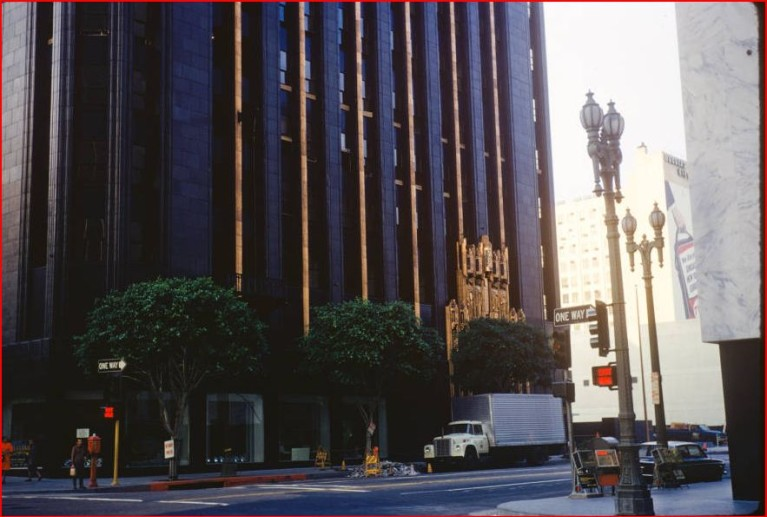 Different views of the richfield tower aka richfield oil for Recycled building materials los angeles