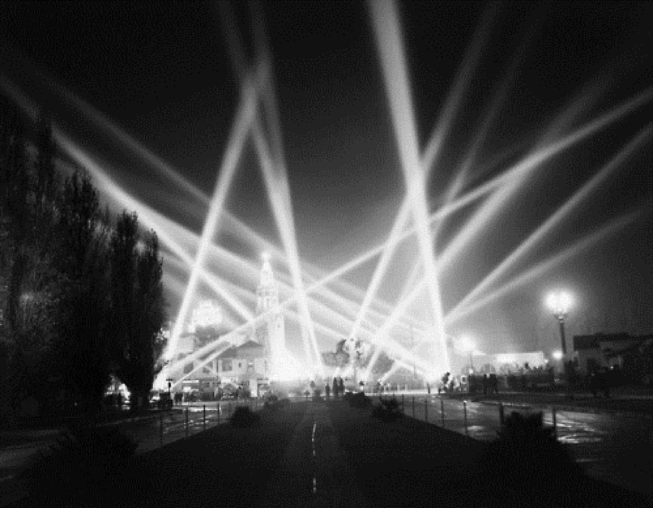 spotlight essay war film