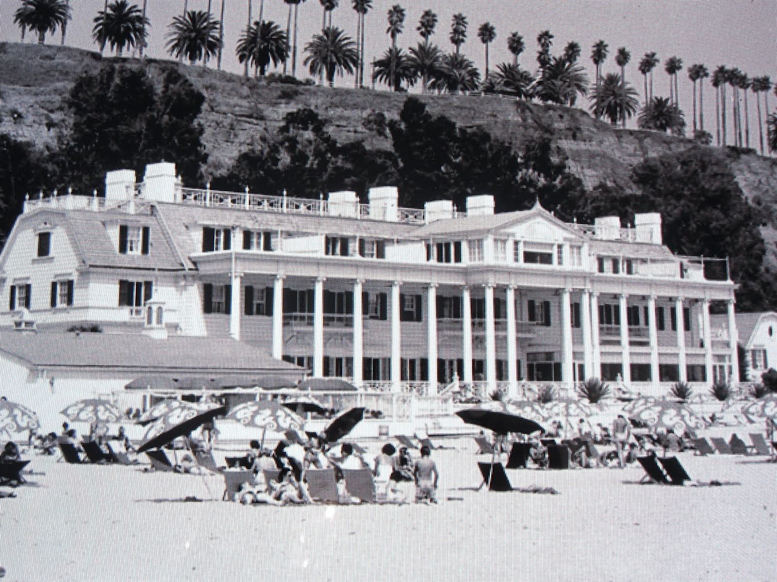 marion davies beach house on santa monica beach 1930s On marion house